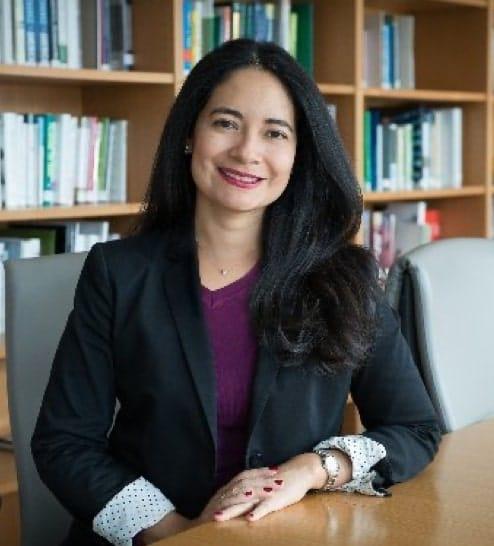 Experts - Soledad McGrath b-min